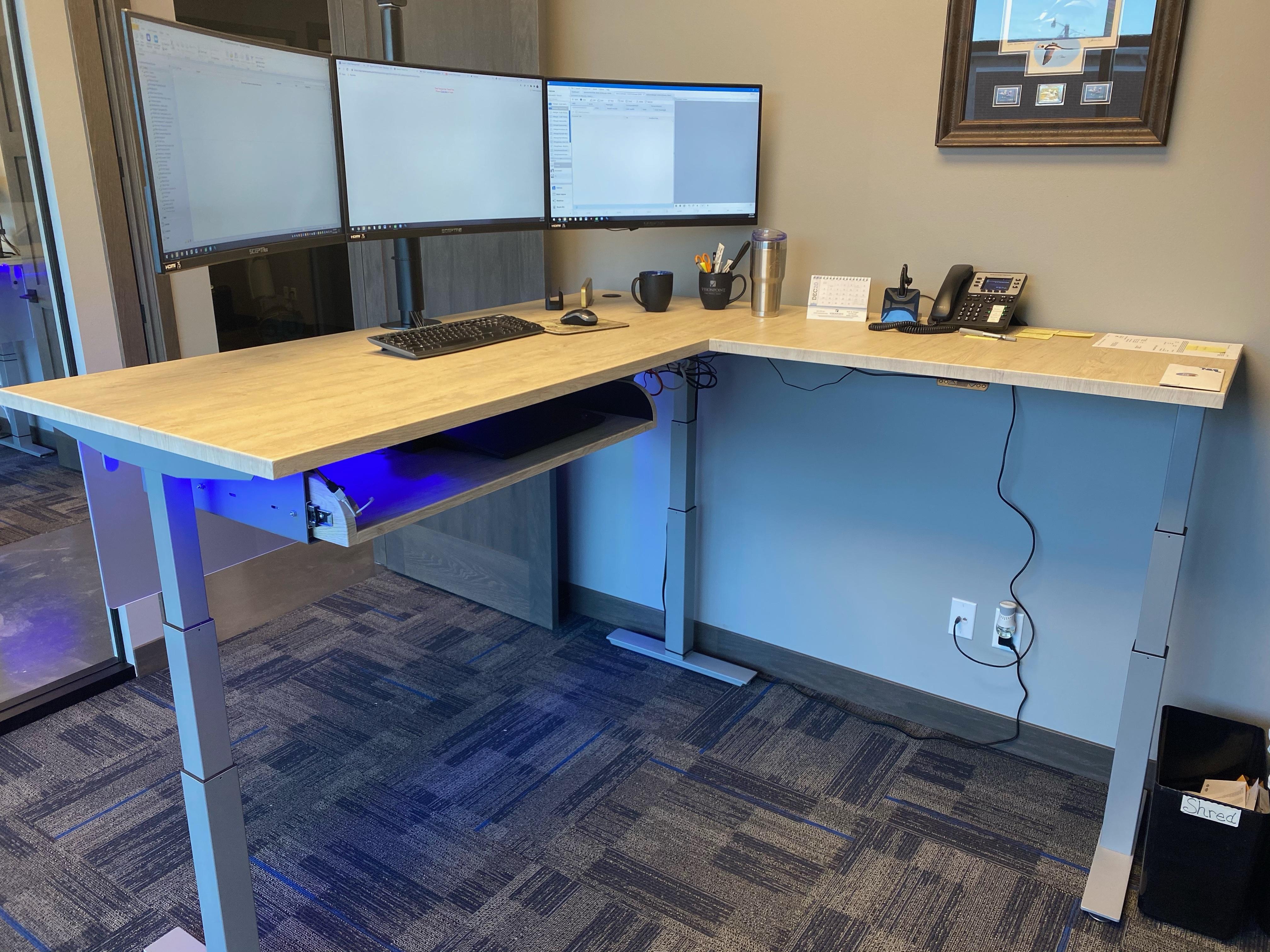 VisionPoint Rev200 Desk